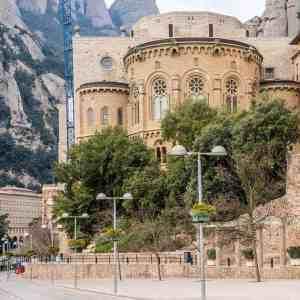 Easy Montserrat Tour