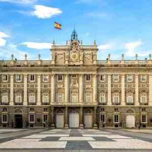 Madrid Walking Tour & Royal Palace