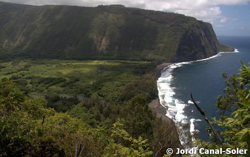 Waipio Valley es un valle histórico donde vivió el rey Kamehameha