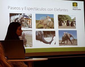 El equipo técnico de FAADA haciendo su presentación sobre turismo responsable