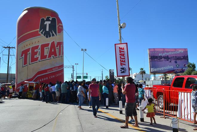 Baja 1000 2014 gente lata tecate