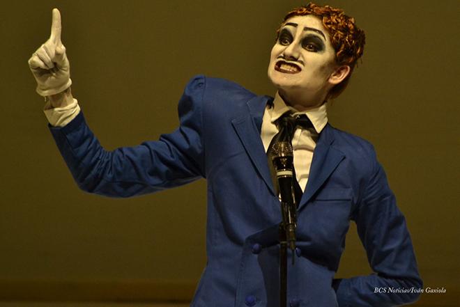Teatro El ano de Ricardo 8