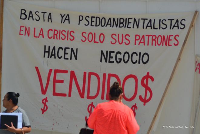 manifestacion ayuntamiento san antonio mineria los cardones 4