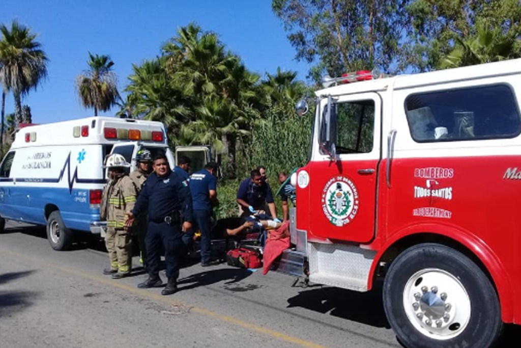 El percance se originó en el tramo carretero La Paz-Todos Santos; la persona lesionada fue trasladada al Centro de Salud de la comunidad
