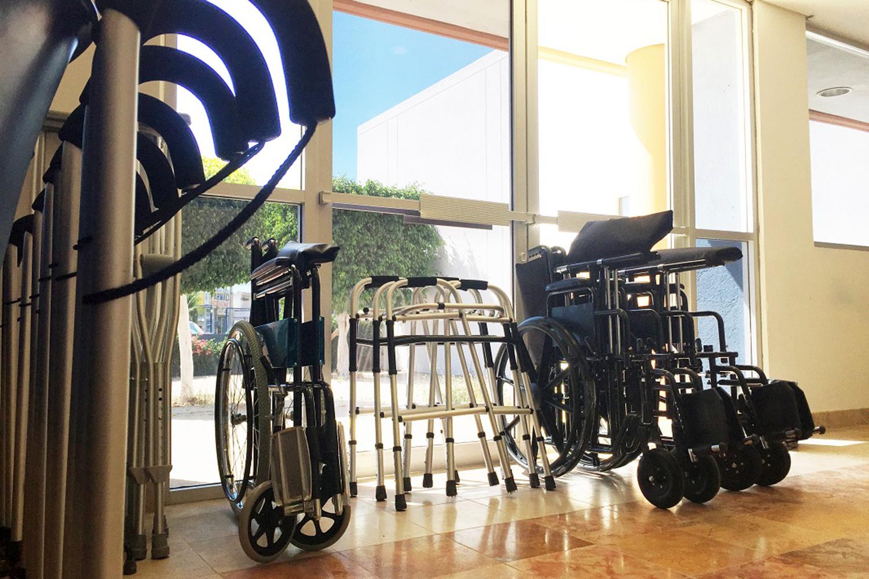 En BCS se entregarán 74 sillas de ruedas a personas con discapacidad; 12 van para La Paz