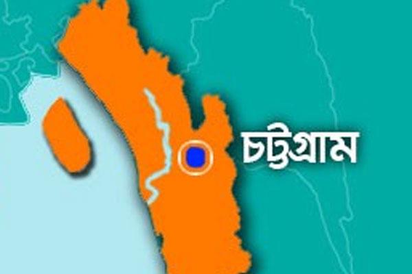 চট্টগ্রামে দুই লাখ লোক পানিবন্দি : জেলা প্রশাসক