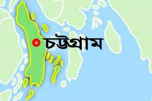 চট্টগ্রাম বন্দরে ৫ কোটি টাকার নিষিদ্ধ সিগারেট জব্দ