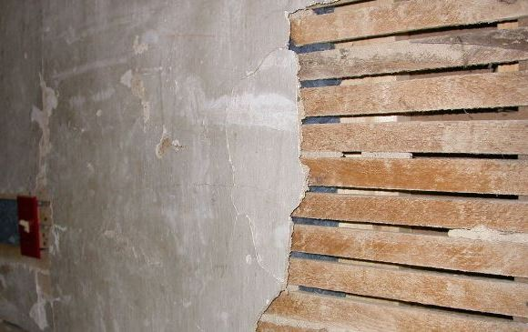 Today though we're fortunate enough to have the tools and materials that can make achieving such results a little bit easier – particularly compared to the old lath and plaster methods which certainly proved problematic.
