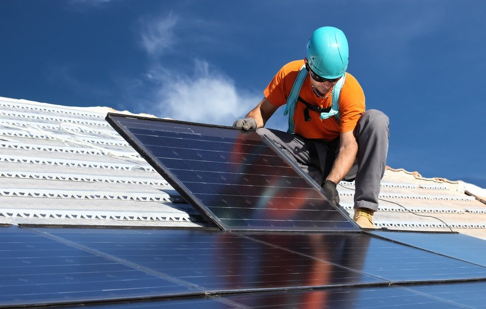 Hundreds of stakeholders call for urgent action to stabilise UK solar
