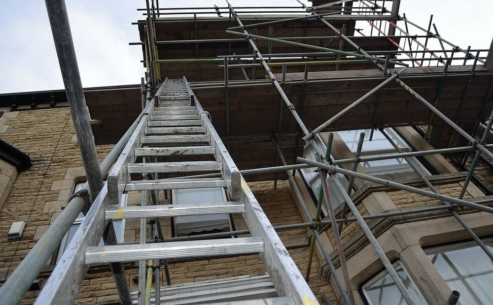 When it comes to doing high-access DIY work, it's almost instinctive to reach for a ladder. A scaffold tower seems like something you'd see on a construction site or in a warehouse. So, why should you think about swapping tools?
