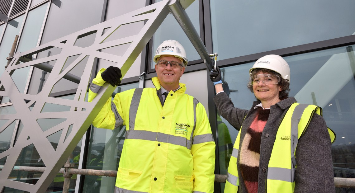 As the five-storey, 7,500 square metre Barbara Hepworth Building takes shape, the University was pleased to welcome Morgan Sindall's MD for Construction Pat Boyle and Dr Sophie Bowness, granddaughter of Wakefield sculptor Barbara Hepworth, to the 'topping out' ceremony