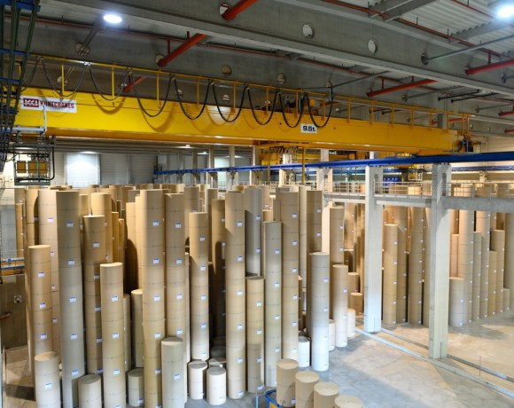 Konecranes investigates the hoisting gears of the critical overhead cranes at the Palm paper factory, with Oil Analysis and Crane Reliability Study (CRS)