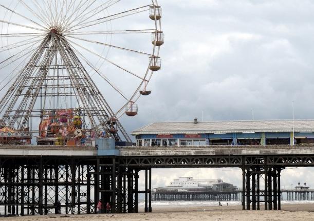 Uwe Schmidt-Hess. 'Blackpool Central Pier'