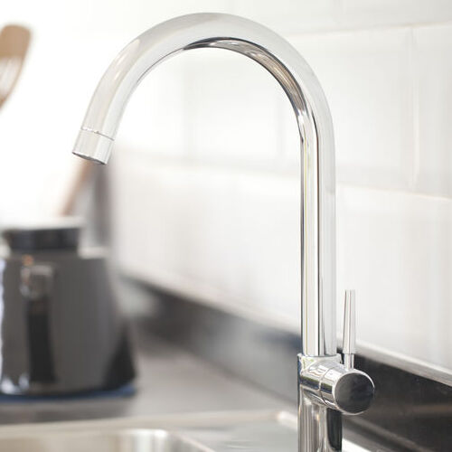 is it hard to replace a kitchen faucet
