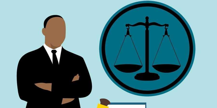 न्याय दिलानें के लिये लड़नें वाले अधिवक्ता जब अपनें ही आत्मसम्मान की बलि चढ़ा देंगे तब आवाम के लिये तो उम्मीदें ही खत्म हो जायेंगी