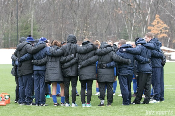 Breakers huddle