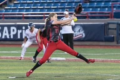 Akron Racers pitcher Rachele Fico (37)