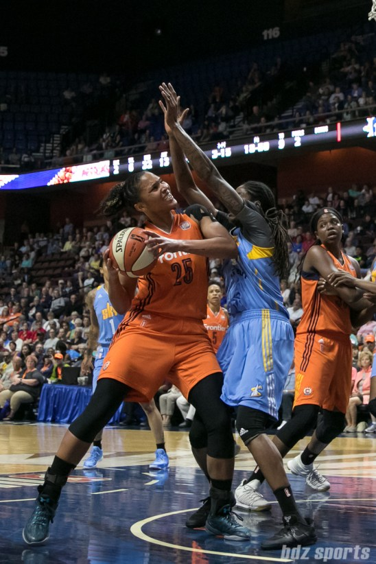 Connecticut Sun forward Alyssa Thomas (25) looks to score a 2 points.