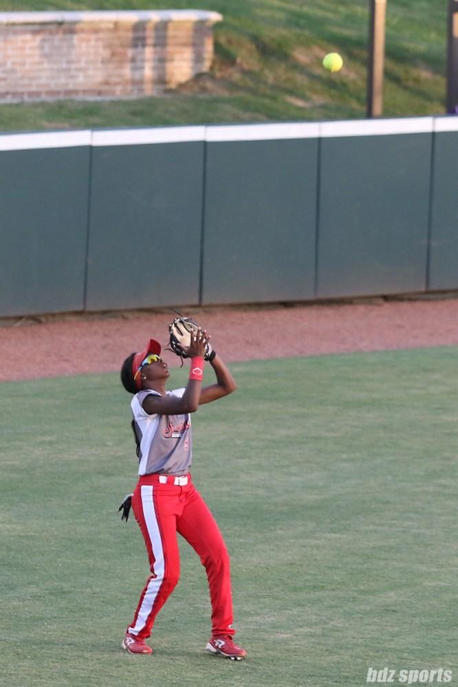 Scrap Yard Dawgs outfielder Kayla Winkfield (9)
