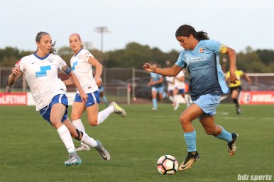 Sky Blue FC forward Sam Kerr (20)