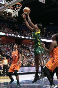 Seattle Storm forward Crystal Langhorne (1) looks to put the ball in the basket.