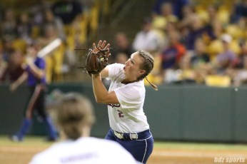 USSSA Pride infielder Shelby Pendley (2) makes the grab for the out