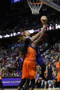 Phoenix Mercury center Brittney Griner (42) drives to the basket for a layup