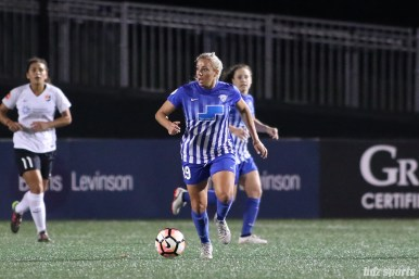 Boston Breakers forward Adriana Leon (19)