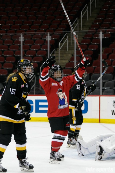 Metropolitan Riveters forward Miye D'Oench (19) celebrating her Riveters goal