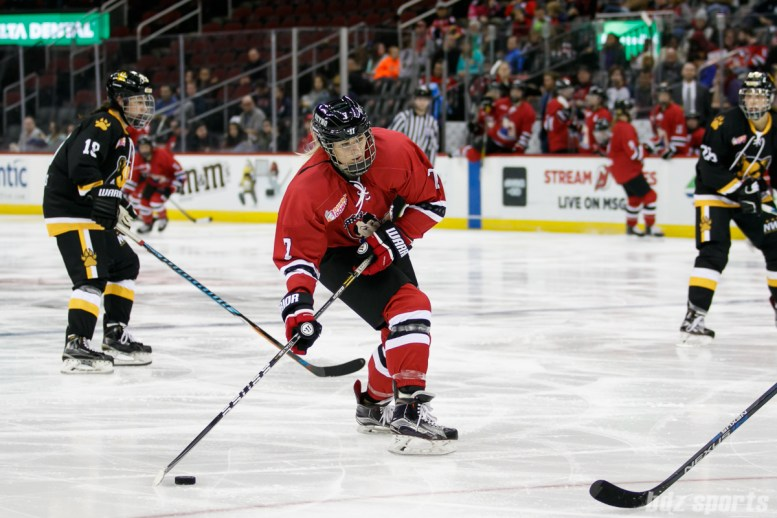 Metropolitan Riveters forward Tatiana Rafter (7) prepares to take a shot on goal