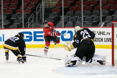 Metropolitan Riveters forward Alexa Gruschow (11) unleashes a shot on goal