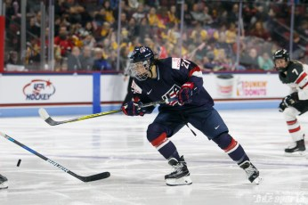 Team USA forward Hilary Knight (21)