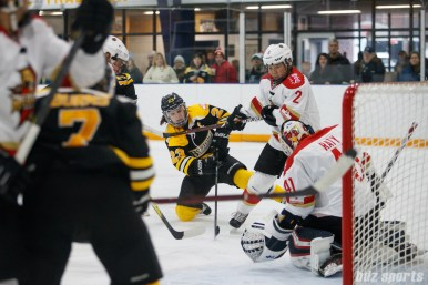 Boston Blades forward Melissa Bizzari (23) takes a shot on goal