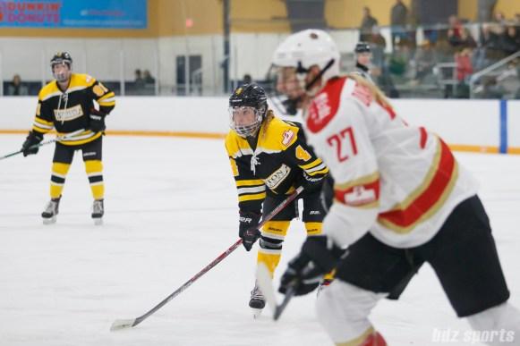 Boston Blades forward Elizabeth Aveson (4)