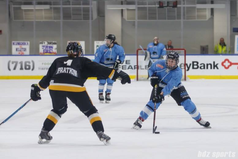 Buffalo Beauts forward Jess Jones (32)