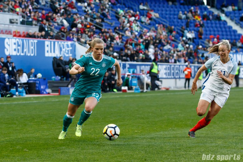 Team Germany midfielder Tabea Kemme (22)