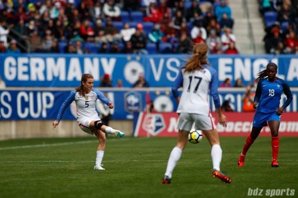 Team USA defender Kelley O'Hara (5)