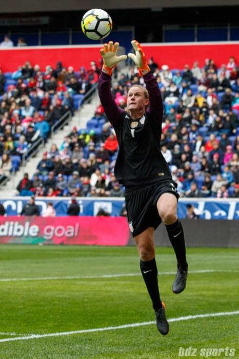 Team USA goalie Alyssa Naeher (1)