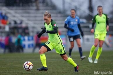 Seattle Reign FC midfielder Jessica Fishlock (10)