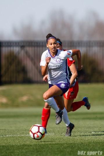 Orlando Pride midfielder Kristen Edmonds (12)