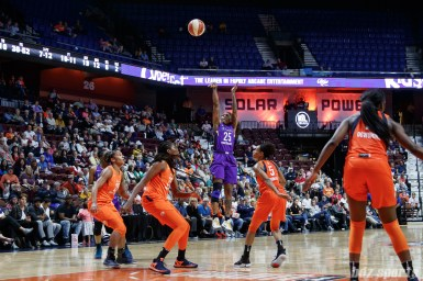 Los Angeles Sparks guard Cappie Pondexter (25)