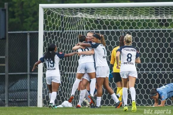 North Carolina Courage celebrating Sam Mewis's (5) goal