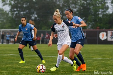 North Carolina Courage midfielder Denise O'Sullivan (8) and Sky Blue FC defender Amanda Frisbie (9)