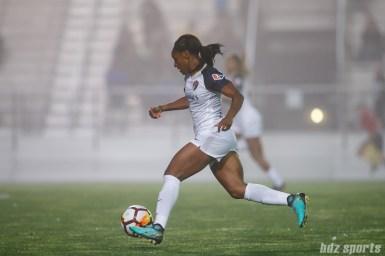 North Carolina Courage forward Crystal Dunn (19)