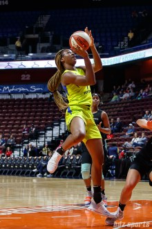Dallas Wings Evelyn Akhator (9)