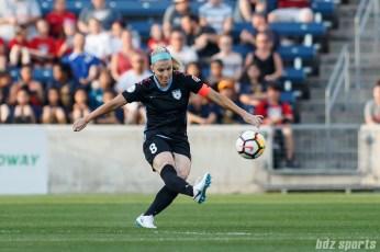 Chicago Red Stars midfielder Julie Ertz (8)