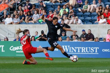 Chicago Red Stars forward Sam Kerr (20) and Portland Thorns defender Kelli Hubly (20)