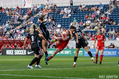 Portland Thorns midfielder Lindsey Horan (10) finds the back of the net with this volley in the box