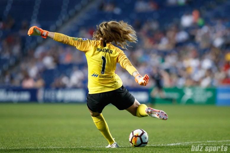Chicago Red Stars goalie Alyssa Naeher (1)