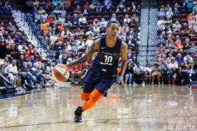 Connecticut Sun guard Courtney Williams (10)
